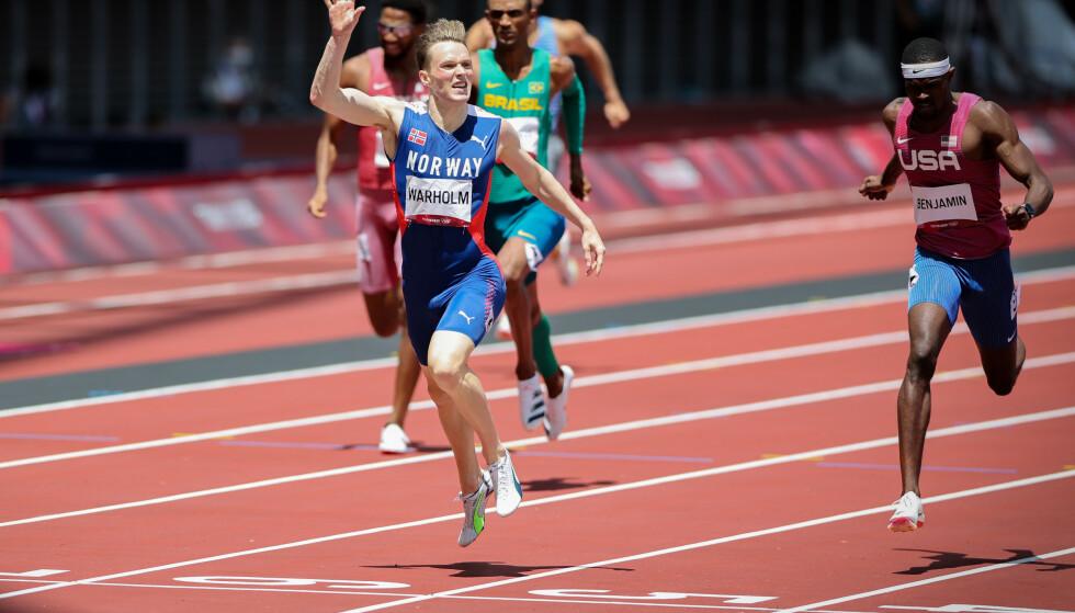 JUBLER: Vår fantastiske OL-vinner tok seg tid til å juble over målstreken.. Foto: Bjørn Langsem