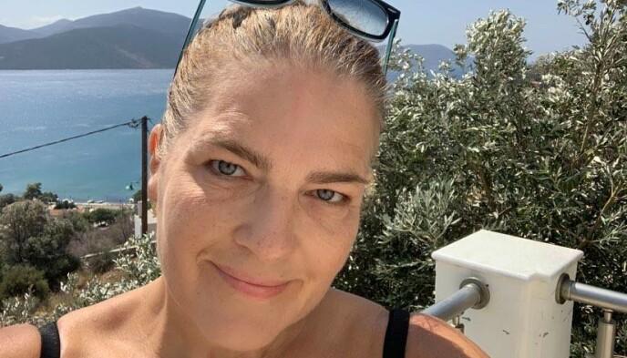 VERSTE PÅ TIÅR: Norske Line Løhre Olsen har bodd i Hellas siden 1990. Hun har aldri opplevd verre hete enn det landet nå har hatt i dagevis. Foto: Privat