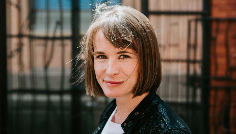 ABIGAIL DEAN: Den britiske forfatteren brakdebuterte med krimboka «Jente A», som også skal bli tv-serie. Foto: GURSLI BERG / NICOLA THOMPSON