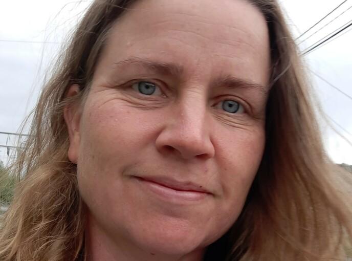 JOBBMODUS: Som konduktør har Ann Kristin Halvorsen trent på å redde liv. I midten av juli fikk hun bruk for kunnskapen. Foto: Privat