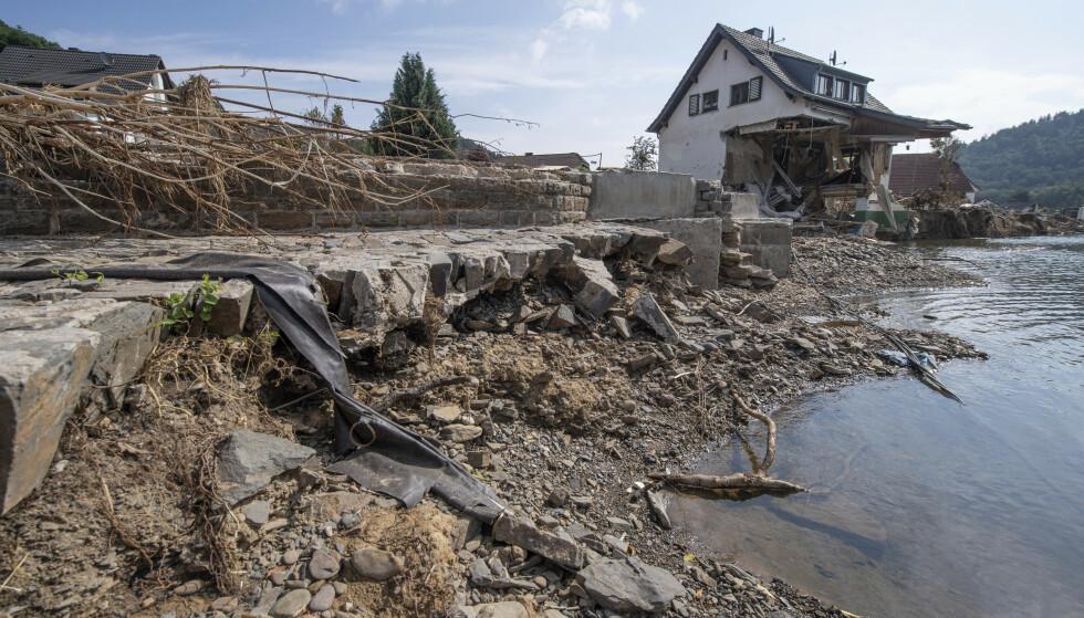 STORE ØDELEGGELSER: Flommen i Tyskland førte til store ødeleggelser, og mange mistet livet. Foto: Boris Roessler / AP / NTB