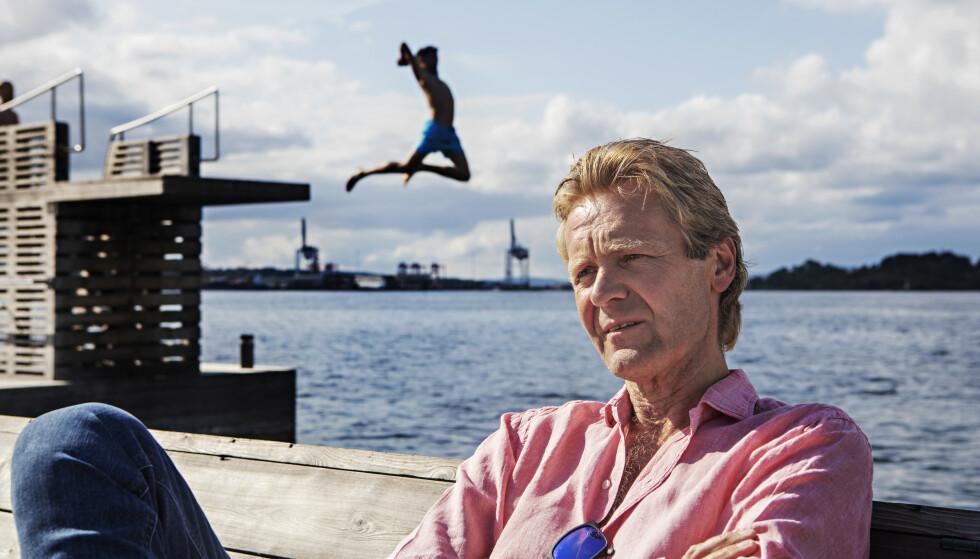 KASTER SEG UT I NYE TING: Erik Wold sluttet i NRK i 2014 for å starte opp som debattleder og konferansier for seg selv. Nå er 61-åringen klar for å ta opp igjen karrieren som dansbandmusiker. Foto: Fran Karlsen / Dagbladet