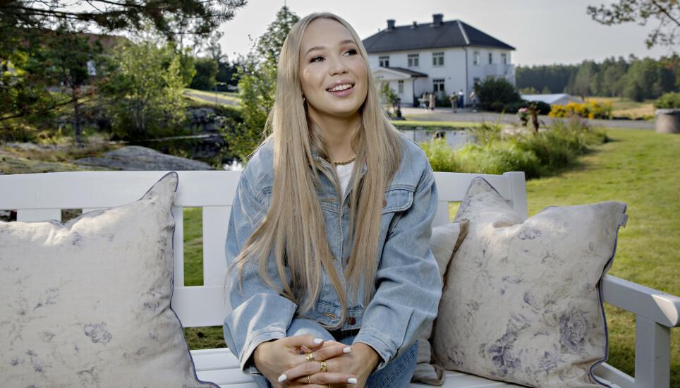 PRIVAT: Agnete Saba liker å skjerme privatlivet sitt fra offentligheten. Her fra innspillingen av «Hver gang vi møtes». Foto: Kristian Ridder-Nielsen / Dagbladet