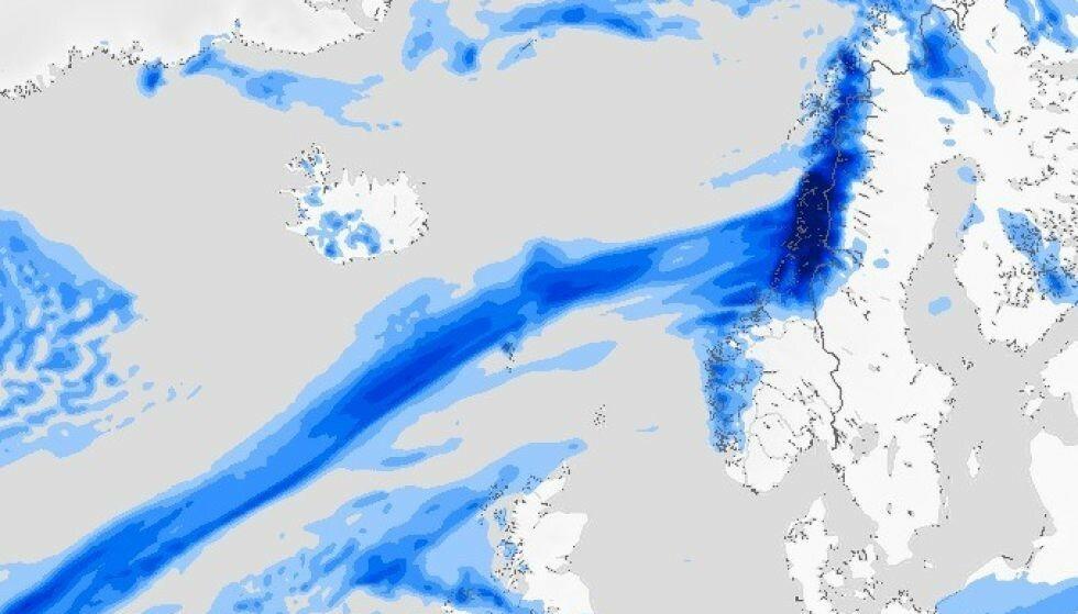«ATMOSFÆRISKE ELVER»: Det forskes på om det vil bli flere atmosfæriske elver i framtida. Bildet viser en slik elv i atmosfæren, som førte til store regnmengder november 2020. Foto: Meteorologisk institutt