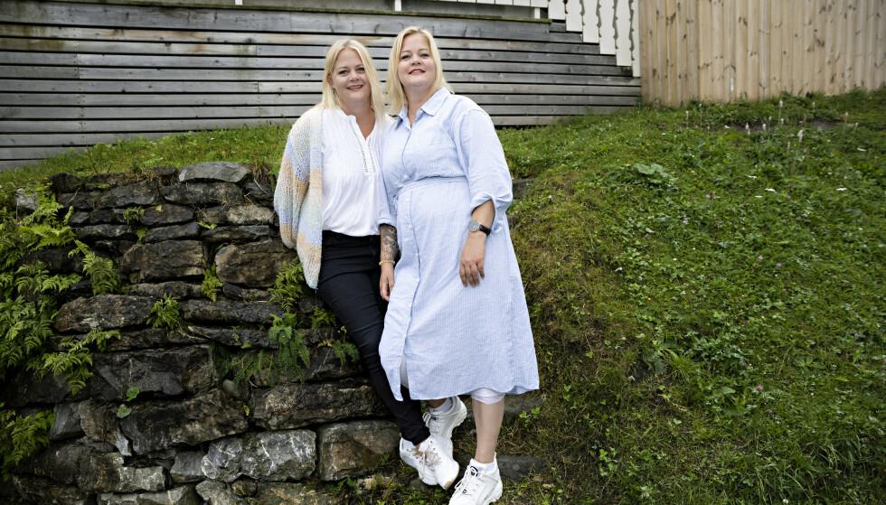 ENEGGEDE TVILLINGER: Trine og Trude er eneggende tvillinger, men forteller at de også er svært ulike. Foto: Kristian Ridder-Nielsen / Dagbladet