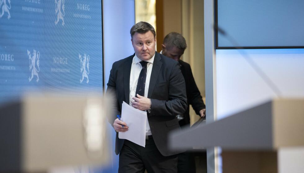 MER NORMAL HØST: Assisterende helsedirektør Espen Rostrup Nakstad har, til tross for smitteøkningen, troa på en mer normal høst. Foto: Berit Roald / NTB