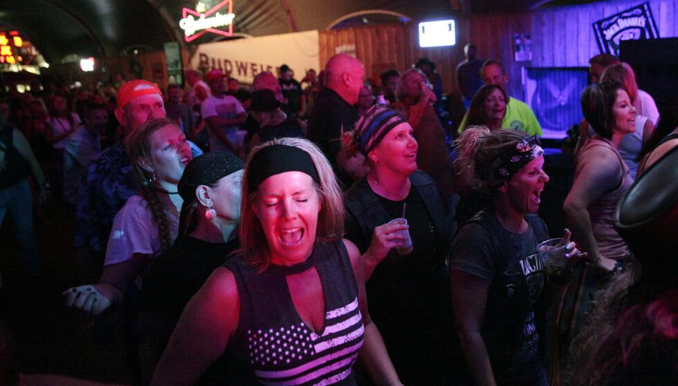 FEST: Festen var allerede i full gang torsdag kveld. Foto: Stephen Groves / AP / NTB