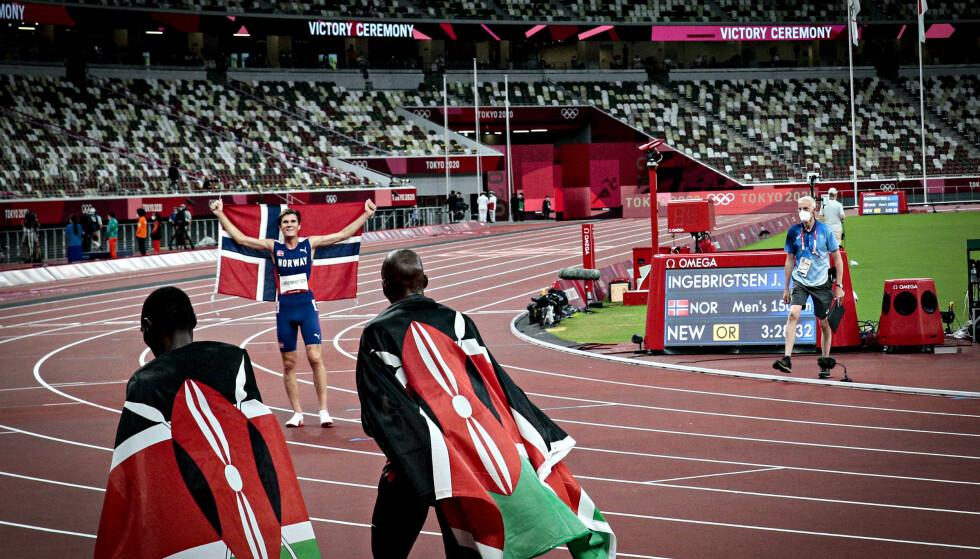 JUBLER: Jakob Ingebrigtsen etter seieren på 1500 m. Foto: Bjørn Langsem / Dagbladet