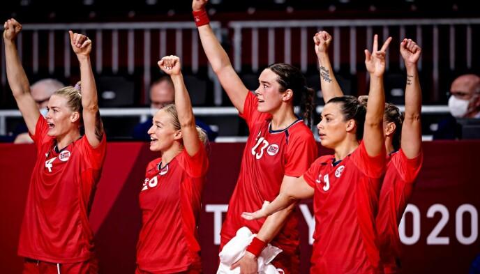 KUNNE JUBLE: Håndballjentene vant bronsefinalen. Foto: Bjørn Langsem / Dagbladet