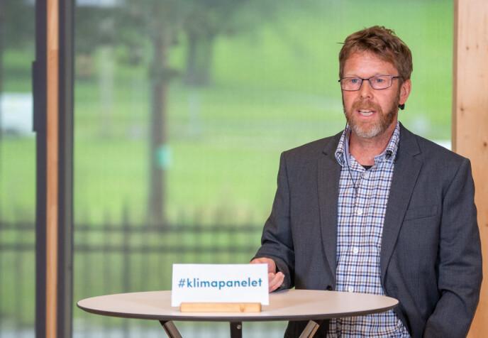 HAR HÅP: Professor i meteorologi, Asgeir Sorteberg, er bekymret over en klode i ubalanse. Foto: Annika Byrde / NTB