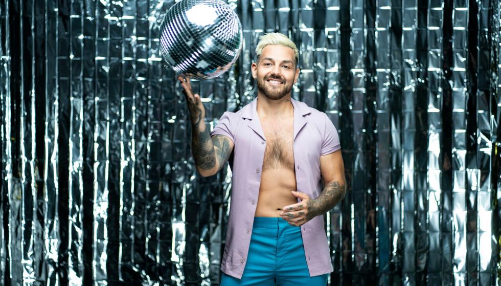 SPENT: Alejandro Fuentes gleder seg til å ta fatt på høstens danseeventyr. Foto: Espen Solli / TV 2