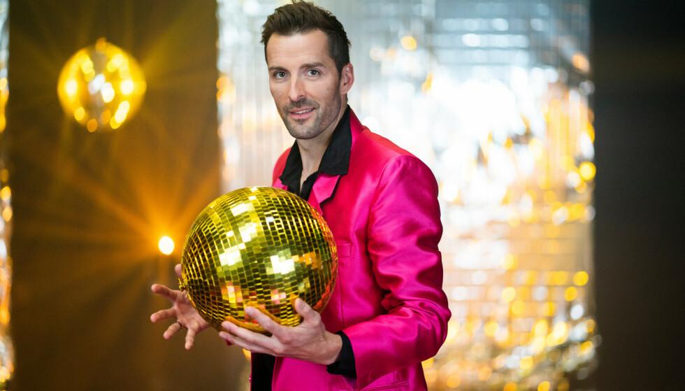 FESTLØVE: Magnus Moan er ikke fremmed for å slå seg løs på dansegulvet når det er festival. Foto: Espen Solli / TV 2