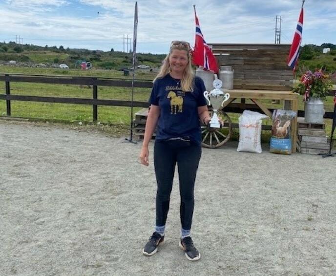 TIL TOPPS: «Farmen»-Agna endte opp som sammenlagtvinner i helgas NM-konkurranse. Foto: Privat