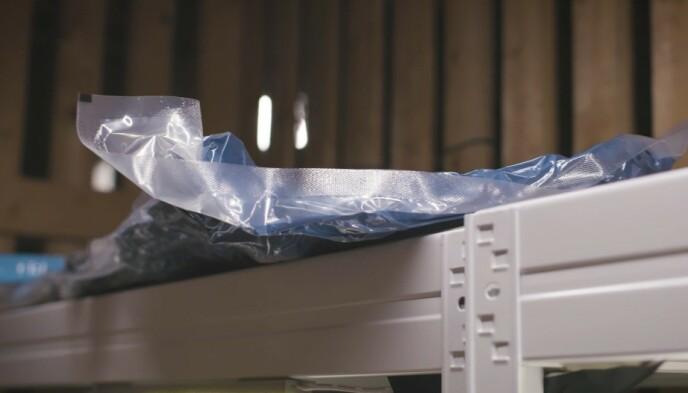 VAKUMPOSER: Når luften fjernes tar vakumposene de minimalt med plass.
