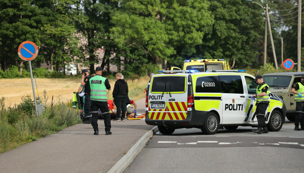 ULYKKE: Tidligere i ettermiddag meldte politiet om en ulykke mellom bil og MC. Foto: Geir Eriksen