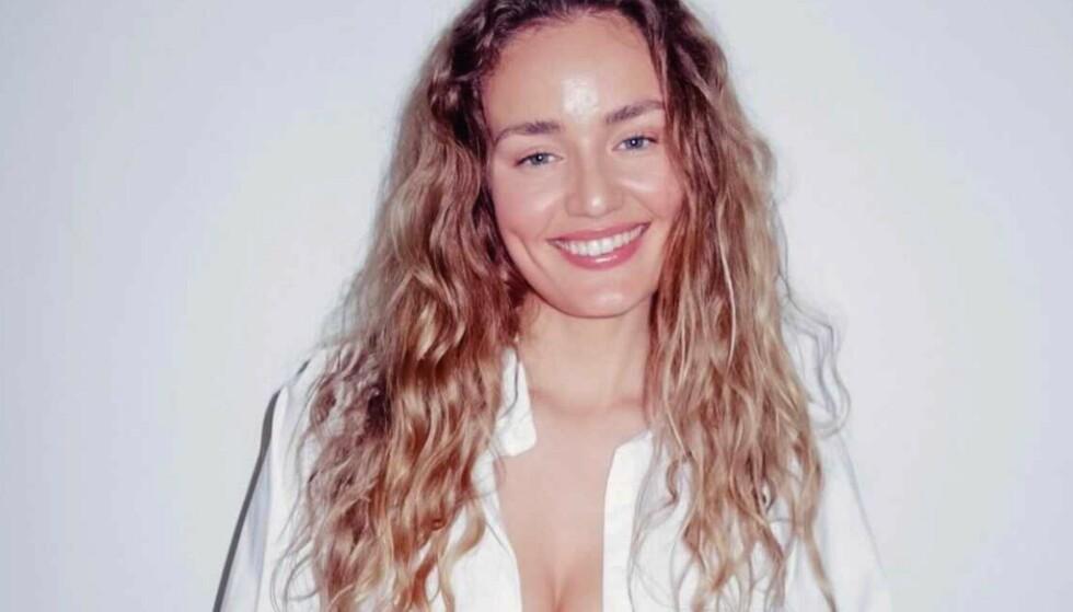 MAKTEN TILBAKE: Thale Myhre har en konto på OnlyFans. Hun mener at det er en plattform der kvinner kan ta makten tilbake over hva som deles av nakenhet og seksuelt innhold. Foto: Privat