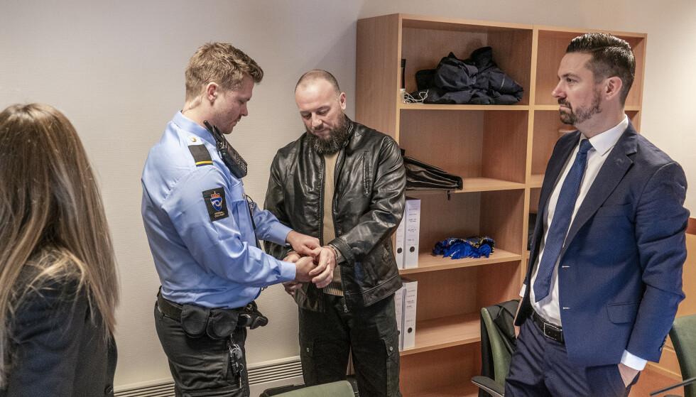 DØMT: Zikrija Krkic ble dømt for et dobbeltdrap Drammen tingrett. Øyvind Bratlien er mannens advokat. Ankesaken skal behandles i lagmannsretten i september. Foto: Hans Arne Vedlog / Dagbladet