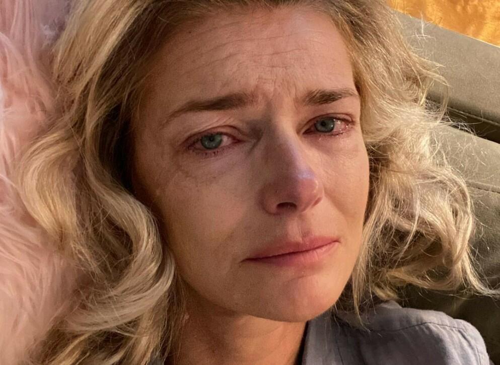 ÆRLIG: Tidligere supermodell Paulina Porizkova delte en tårevåt selfie med tilhørende tekst på Instagram nylig. Nå forklarer hun det hele. Foto: Skjermdump fra Instagram