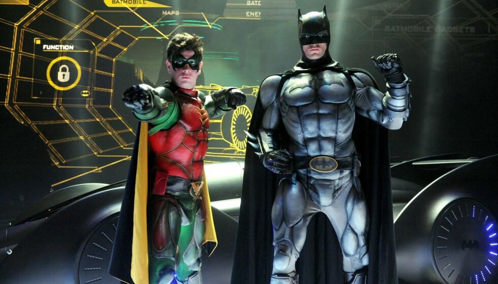 DUO: Batman og Robin har i flere tiår vært en populær duo. I den ny utgave av tegneserien kommer Robin ut som bifil. Foto: Shutterstock/NTB