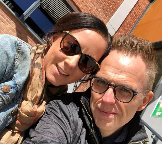 SKUMMELT: Foreldrene Rune Carlsen og Jessica Larsson skjelver fortsatt av tanken på hvor ille det kunne gått. Foto: privat