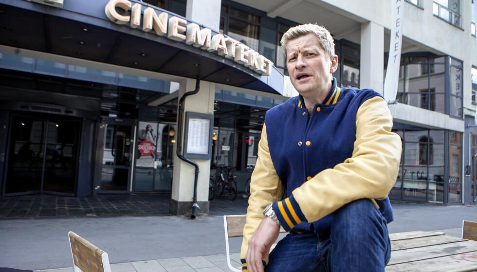 LIVET RAKNER: Odd-Magnus Williamson manusdebuterer i «Ingen ting å le av», der han spiller Kasper Berntsen - en vellykket stand-up komiker, som har alt han kan ønske seg. Men så rakner alt. Foto: Anders Grønneberg