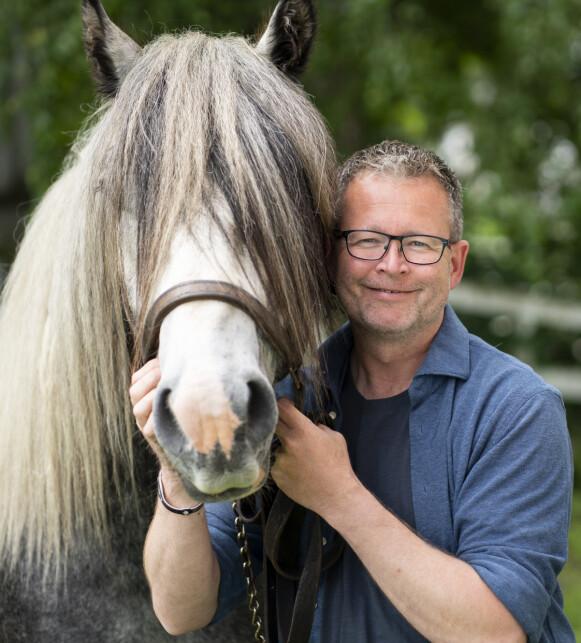 OMSORGSFULL: Ole-Johan Dyste beskriver seg selv som sosial, varm og sympatisk. Foto: Espen Solli / TV 2