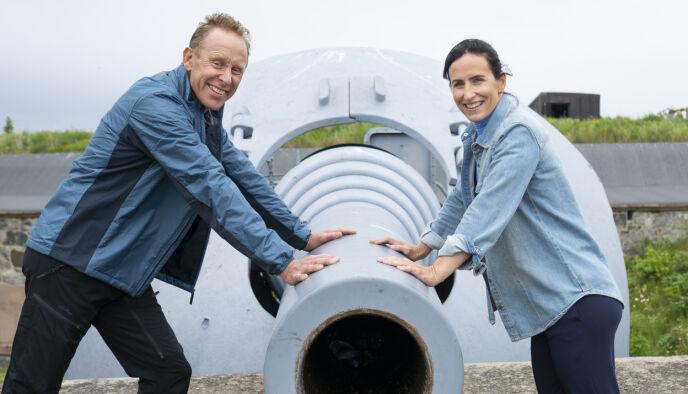 RADARPAR: Gunde Svan (t.v) og Marit Bjørgen skal lose TV-seerne gjennom «Landskampen» denne høsten. Foto: Espen Solli/TV 2