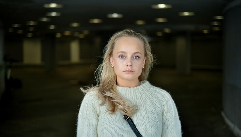 UTE PÅ OPPDRAG: Julie Græsvik er datteren til TV 2-korrespondent Fredrik Græsvik. Nå åpner hun seg om hvordan hun har det når pappa er ute på oppdrag. Foto: Eivind Senneset/ Dagbladet.