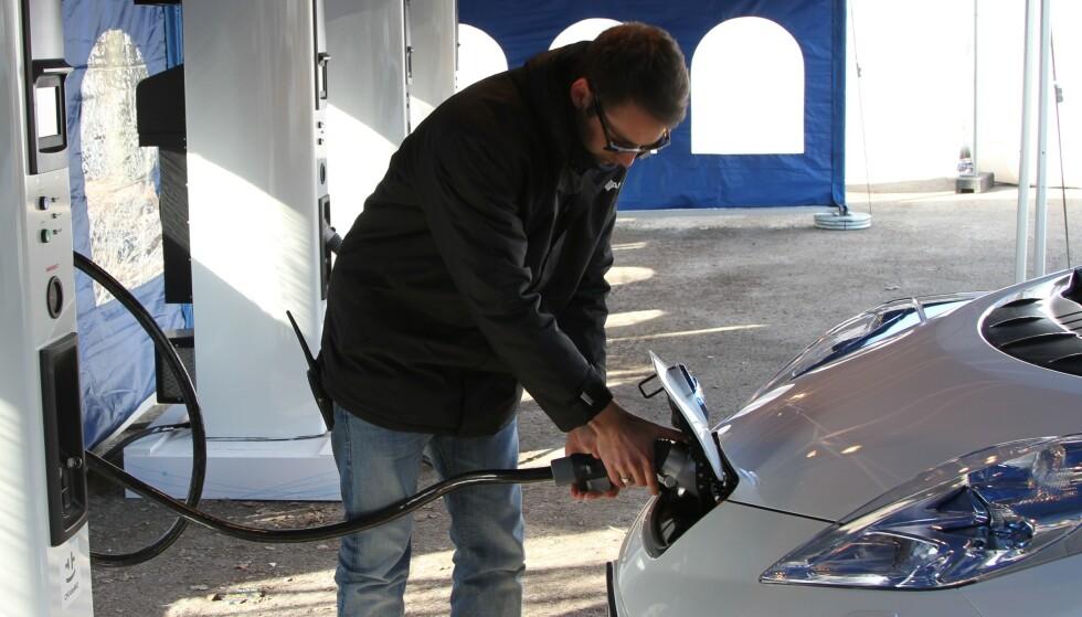 BILLIGST: Å eie elbil kan spare deg flere tusen i året. Men hvor mye dyrere er det egentlig å eie hybrid-, diesel- eller bensinbil?Foto: Rune Korsvoll