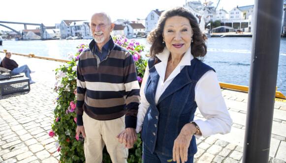 STØTTESPILLERE: Paret Åse Kleveland og Oddvar Bull Tuhus har gjennom et langt liv vært viktige støttespillere for hverandre. Foto: Anders Grønneberg