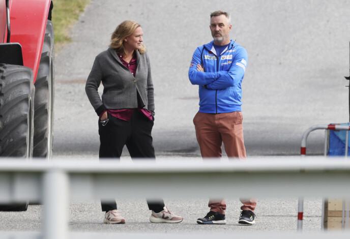 ADVOKATMAT: LO-advokat Marit Håvemoen representerer Clas Brede Bråthen. Her slår de av en prat i Lysgårdsbakkene på Lillehammer. Foto: Geir Olsen / NTB