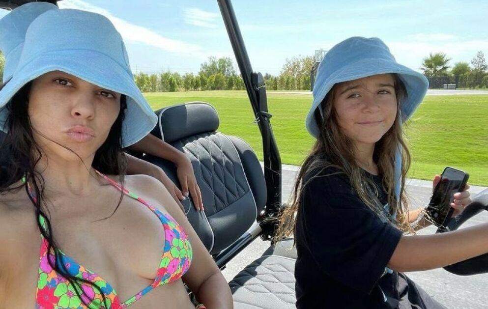 FORANDRING FRYDER: Kourtney Kardashians datter Penelope har kvittet seg med det brune håret. Foto: Skjemdump fra Instagram