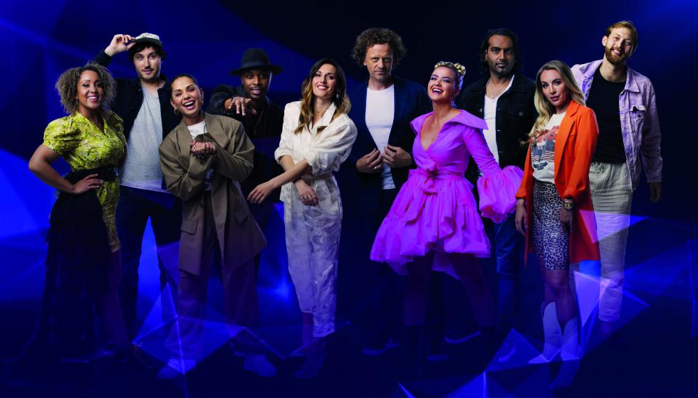 SESONGPREMIERE: «Stjernekamp» er klar med en ny sesong. I kveld skal ti sangere levere låter fra egen sjanger. Alle foto: Julia Marie Naglestad/NRK