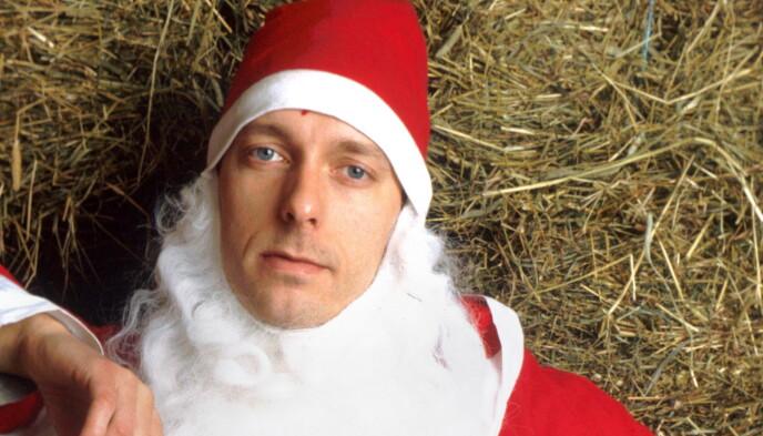 TILBAKE SOM NISSE: Trond Fausa Aurvåg spiller i den kommende julekalenderen til Espen Eckbo, Nissene i bingen, her fra første sesong av Nissene på låven i 2001. Foto: TVNorge