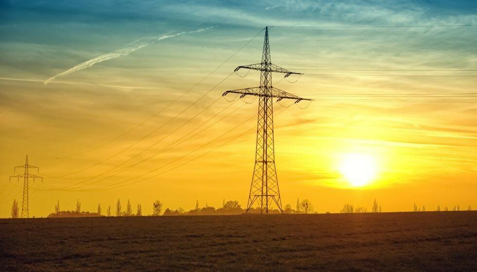 Spotprisen på strøm var rekordhøy i august, og september har begynt med en pris på rundt 130 øre per kilowattime. Nettleien og strømselskapenes påslag og månedsgebyr kommer i tillegg.