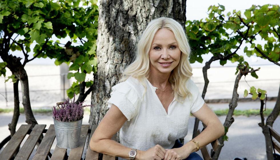 NYTER NY HVERDAG: Linda Johansen fikk eksperthjelp til å håndtere hetetokter, svært skiftende humør og tunge tanker. Foto: Kristin Svorte