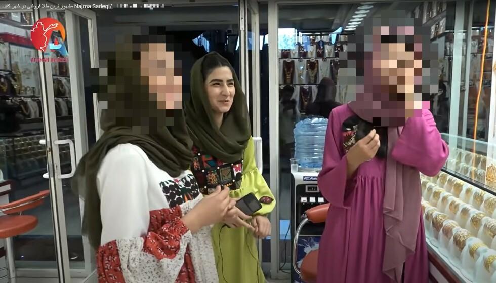 FØR TALIBAN: Najma og venninnene pleide å lage morsomme og fargerike videoer som skildret hvordan livene deres var som unge kvinner i Afghanistan. Skjermdump: Youtube / Afghan Insider