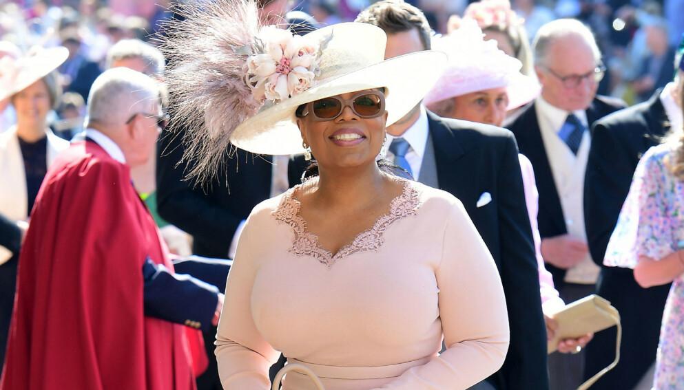 SLAKTES: Oprah Winfrey får passet påskrevet av skuespiller. Foto: REX/Shutterstock/NTB