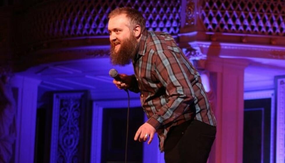 STAND UP: Komikeren Phil Jerrod ble bare 42 år gammel. Foto: Andy Hollingworth/Off The Kerb/PA