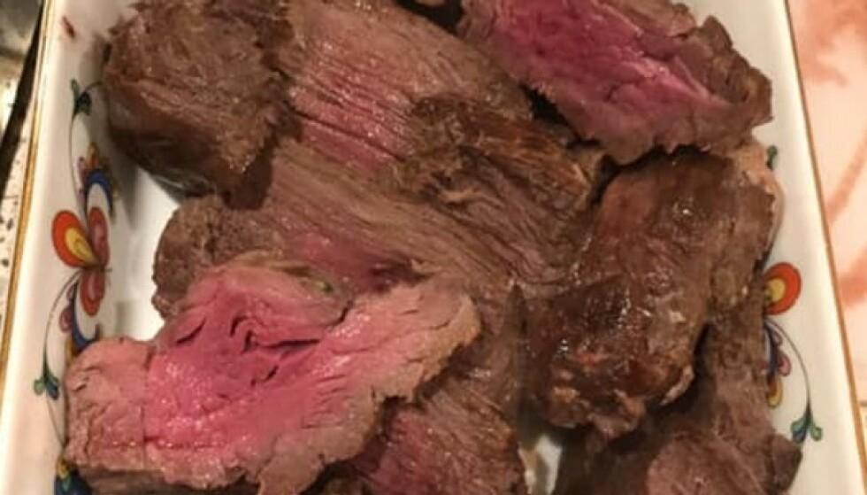 HESTEKJØTT: Da Pia la ut dette bildet av kjøttet fra hennes avdøde hest, sammen med et tidligere bilde av hesten da den levde, ble det kaos i kommentarfeltet hennes. Pia valgte til slutt å slette innlegget. Foto: Privat