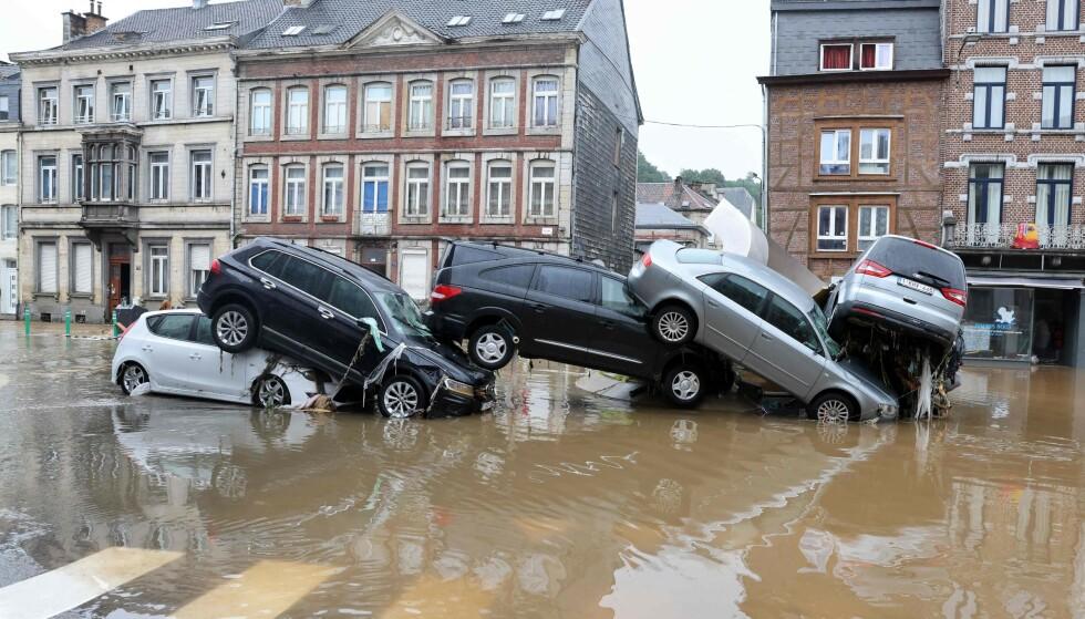 KREVER HANDLING: Over 200 medisin- og helsetidsskrifter krever handling for å minske konsekvensene av klimaendringene. Her fra da Belgia ble herjet av flom i sommer. Foto: Francois Walschaerts / AFP / NTB
