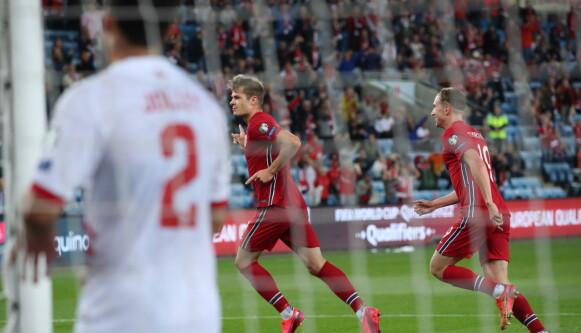 GOD: Alexander Sørloth kronet en virkelig god landskamp med scoring. Foto: Bjørn Langsem / Dagbladet