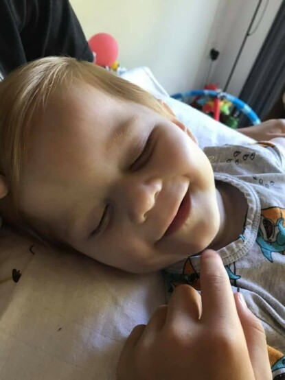 SMILER: Marco liker godt å bli kjærtegnet. Foto: Privat