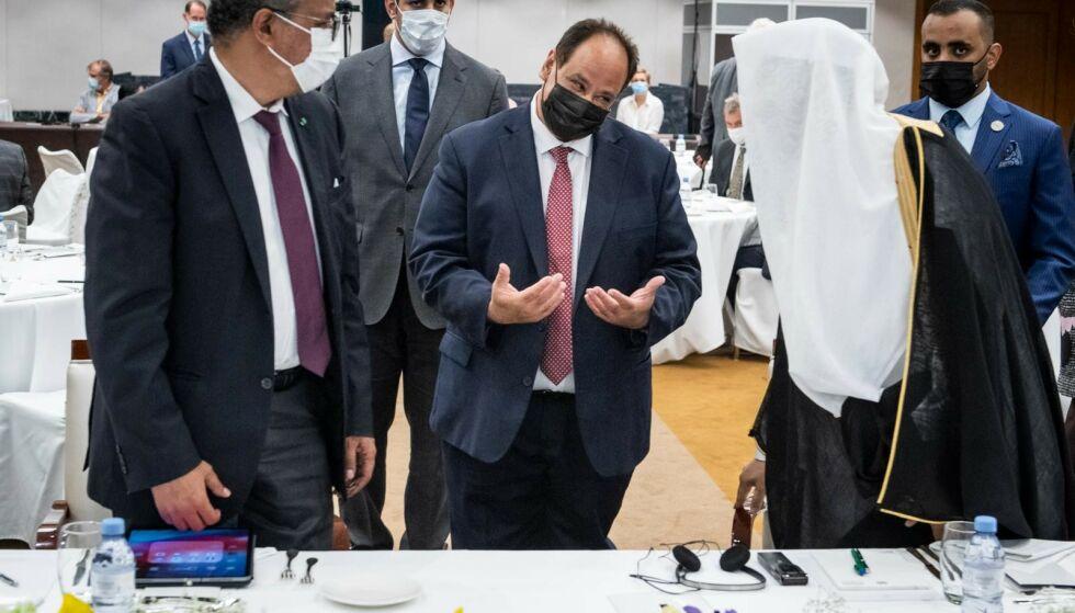 SA IKKE IFRA: Aamir J. Sheikh har ikke opplyst til Erna Solberg at stiftelsen hans fikk penger fra Muslim World League og leder Mohammad al-Issa (t.h.). Foto: Lars Eivind Bones