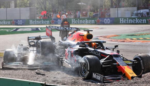 KRASJ: Lewis Hamilton og Max Verstappen krasjet stygt. Foto: NTB