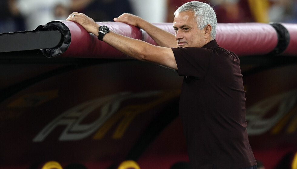 LETTET: José Mourinho var en lettet mann etter Roma-seieren i hans 1000. kamp som manager. Foto: NTB