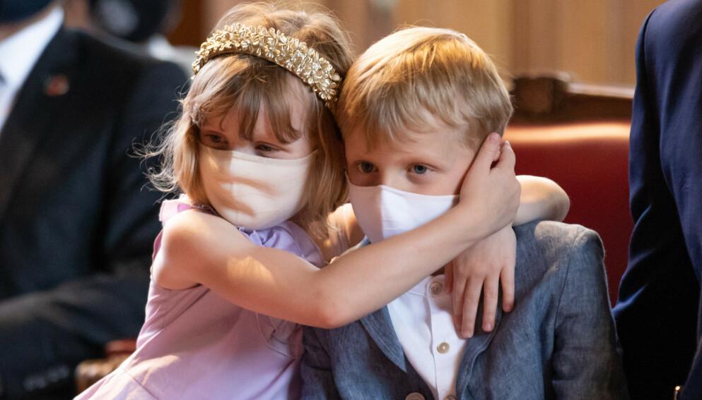 UHELDIG: Prinsesse Gabriella har vært uheldig og skadet seg. Her med tvillingbror Jacques. Foto: Splash News / NTB