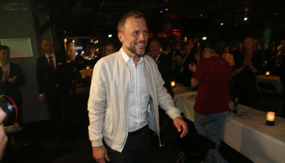 KLAR FOR REGJERINGSFORHANDLINGER: SV-leder Audun Lysbakken ankom partiets valgvake på Rockefeller til full applaus. Foto: Henning. Lillegård / Dagbladet
