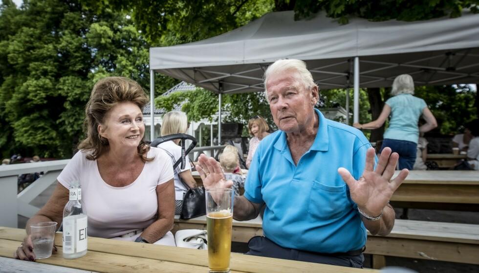 PÅ STORTINGET : Carl Ivar Hagen skal representere Oppland de neste fire åra. Her sammen med kona Eli Hagen. Foto: Bjørn Langsem / Dagbladet