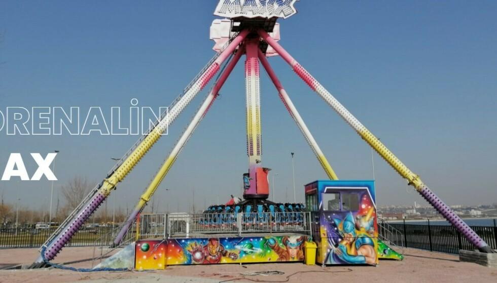 TRAGEDIE: Kvinnen ble bevisstløs mens hun kjørte denne karusellen, kaldt «Kamikaze». Foto: Hayrola Luna Park / Skjermdump